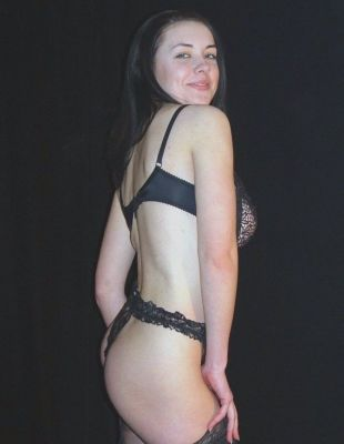 Знакомства в Питере — Дина, 28 лет